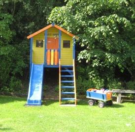 Elementos del parque infantil 2 1 toboganes - Casa con tobogan ...